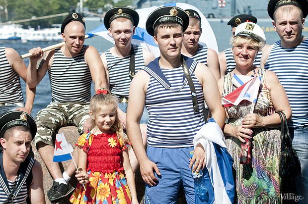 Фоторепортаж: День Военно-морского флота в Петербурге. Изображение № 9.