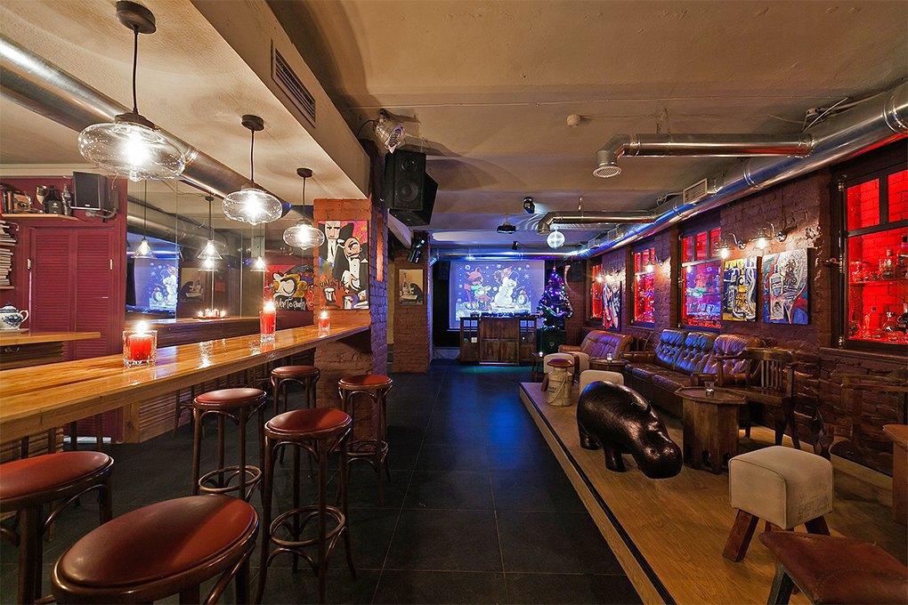 Секретный бар: Каквладельцы «Джин Тоника» открыли заведение без вывески и рекламы. Изображение № 2.