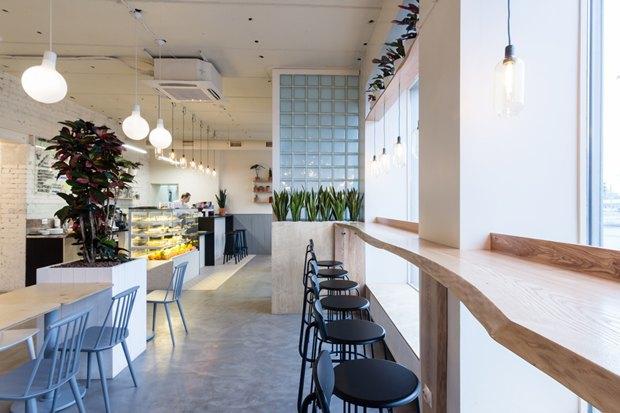 Нанабережной Макарова заработала кофейня «Радости». Изображение № 5.