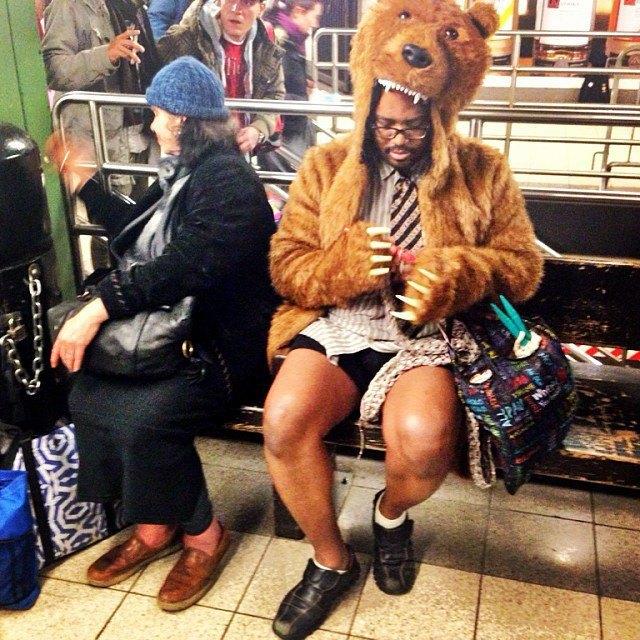 Флешмоб «В метро без штанов» в снимках Instagram. Изображение № 13.