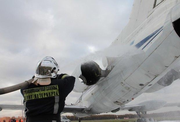 «Горящий» самолёт на учениях в аэропорту Пулково. Изображение № 2.