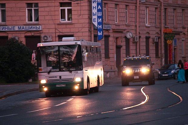 Несмотря на очевидные сбои, все автобусы шли по маршруту, останавливались даже на пустых остановках, и доезжали до конечных. Изображение № 8.
