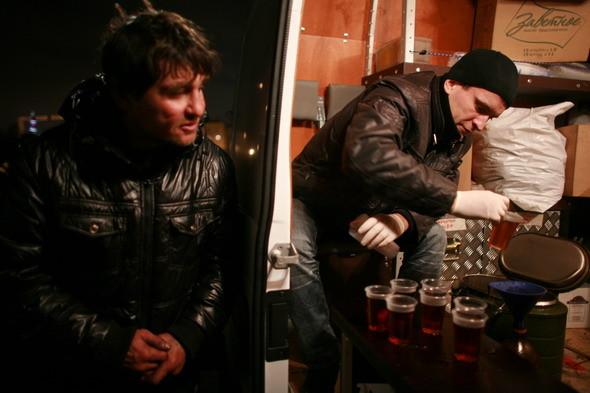 Ночной рейс: Волонтёры и бездомные автобуса «Ночлежка». Изображение № 23.