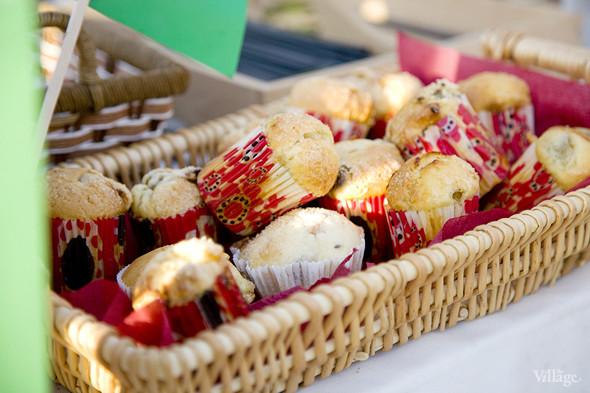 Еда на Пикнике «Афиши»: сэндвичи Foodster, пироги «Это моя булочка» и бургеры от «Даров природы». Изображение № 27.