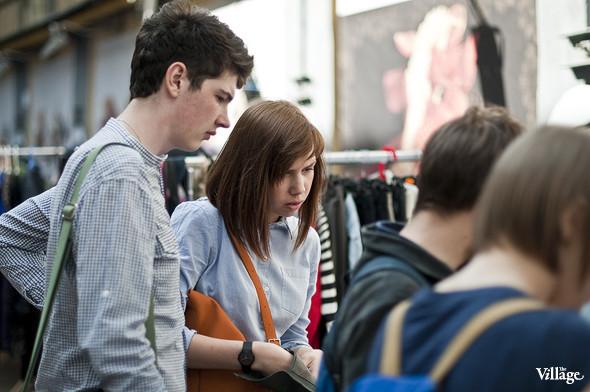 Фоторепортаж: Люди, покупки и опасные отходы на Garage Sale. Изображение № 15.