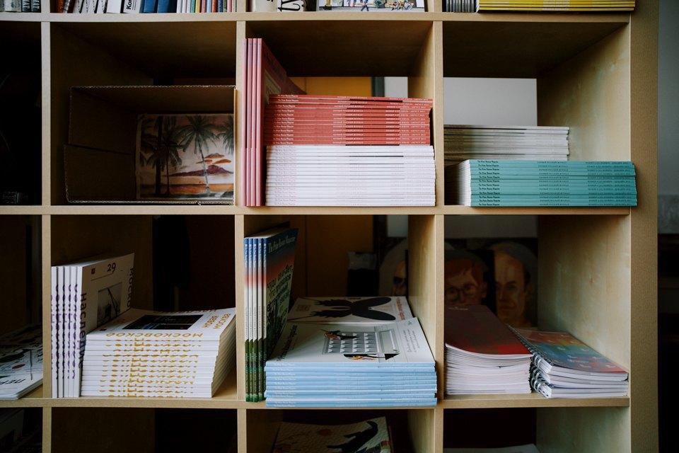 Офис дизайн-бюро «Щука» с усами на стенах. Изображение № 6.