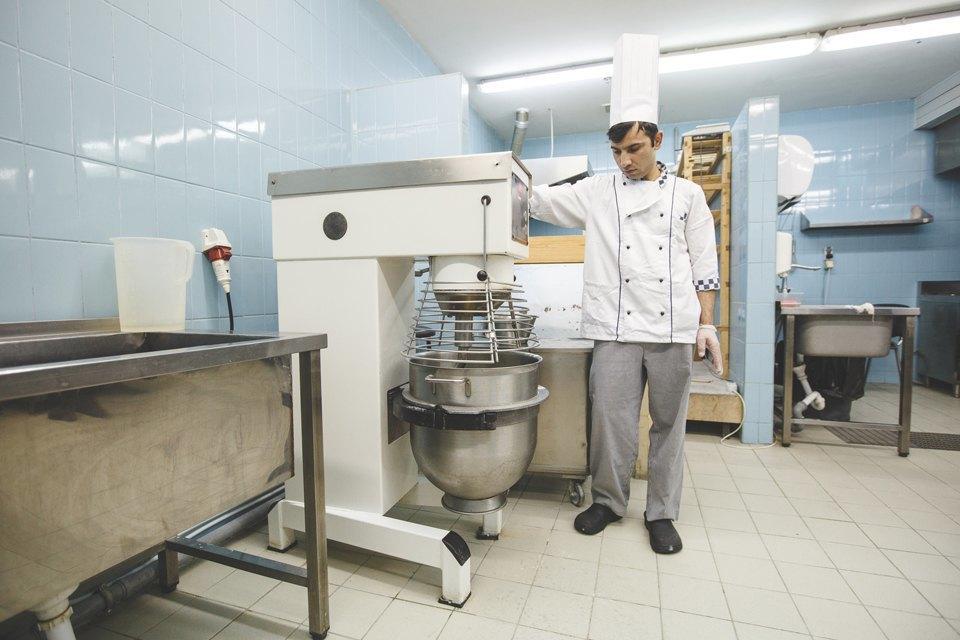 Производственный процесс: Как готовят кошерный хлеб. Изображение № 13.