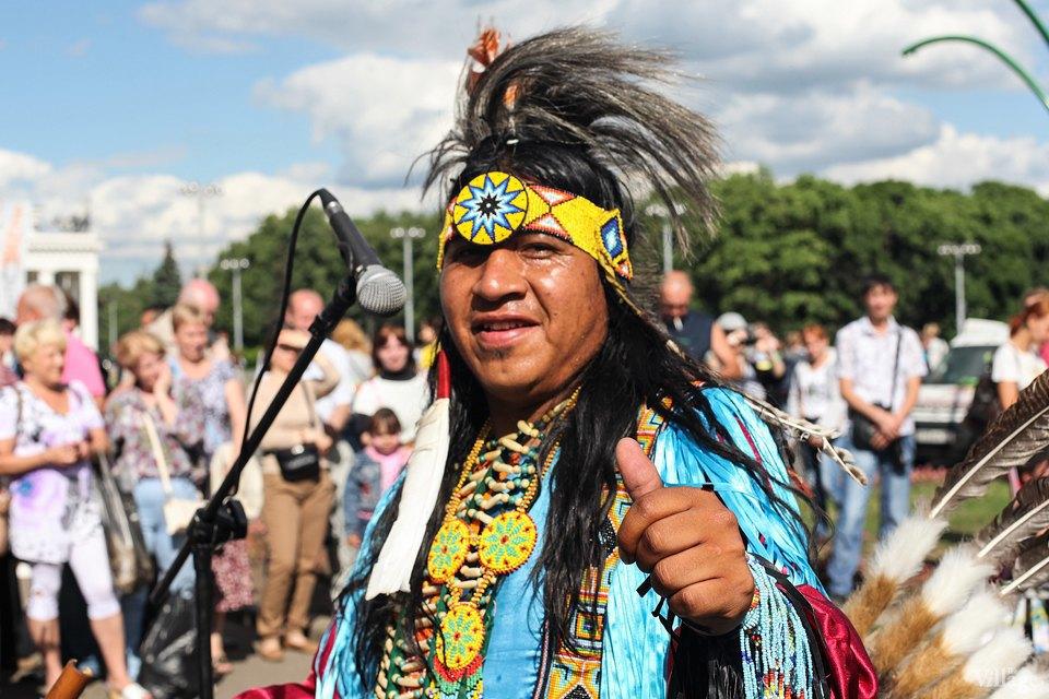 Гости столицы: Как вМоскве оказались индейские музыканты. Изображение № 21.