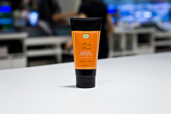 Скраб для тела Tangerine and Eucalyptus Body Scrub — 1 595 р.. Изображение № 5.