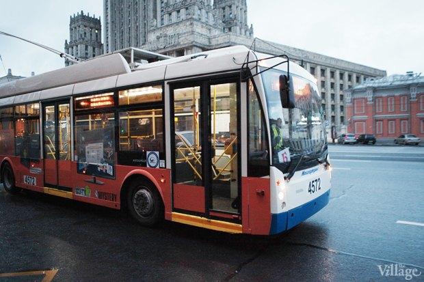 Фото дня: Первые ночные автобусы и троллейбусы в Москве. Изображение № 1.