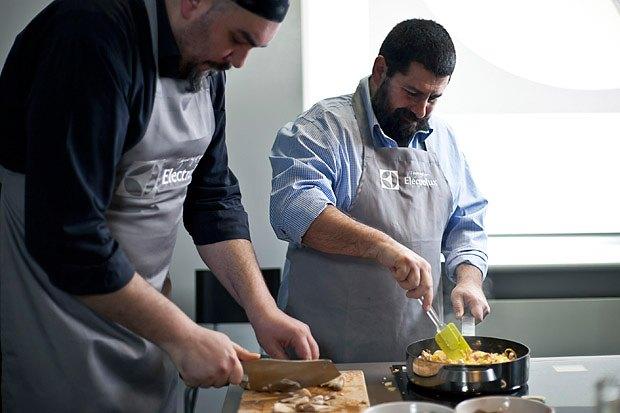 Шеф дома: Грузин и итальянец готовят по рецептам бабушек. Изображение № 101.