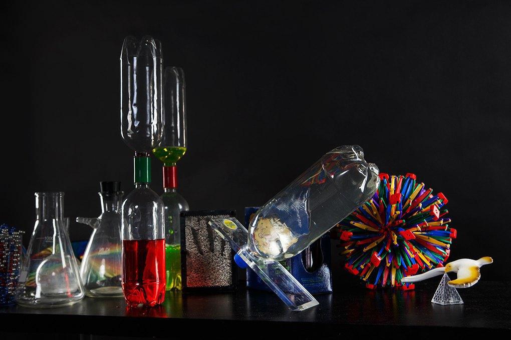«Научное шоу профессора Николя»: Бизнес на червяках, сухом льду и химических опытах. Изображение № 2.