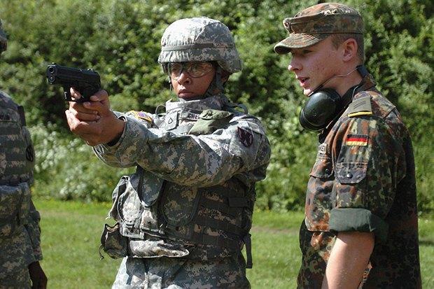 Как у них: Жители Израиля, Дании, Германии, Греции, США — о службе в армии. Изображение № 9.