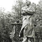 Падение кумиров: В парке «Музеон» демонтировали незаконные памятники. Изображение № 22.