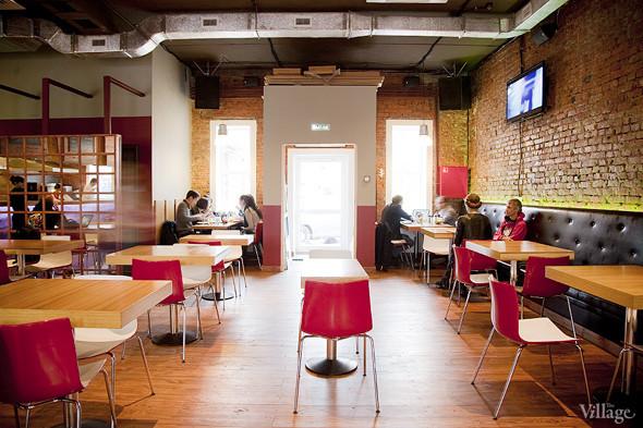 Общая кухня: Кафе-бар Iskra, кафе «Молоко», Genius Bar и Cafe Brocard на «Флаконе». Изображение № 2.