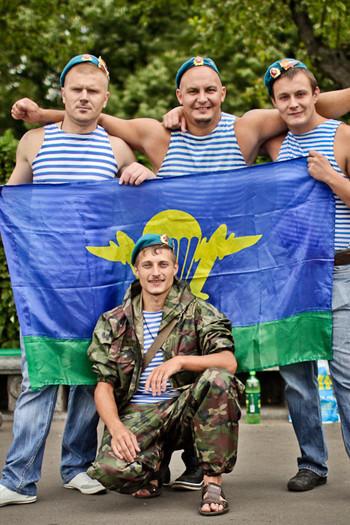 Фоторепортаж: День ВДВ в парке Горького. Изображение № 36.