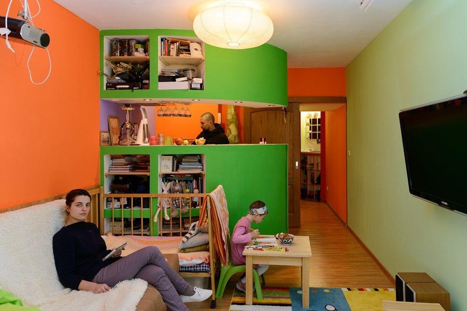 023d07c7a9a86 Варвара: Это квартира мужа. Больше 10 лет назад, еще до нашего знакомства,  семья Антона купила ему студию. Я не знаю точно, почему они выбрали именно  этот ...