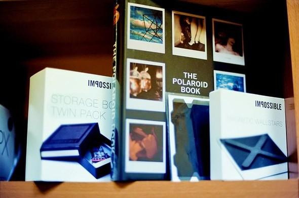 На «Чистых прудах» открылся магазин Polaroid. Изображение № 3.