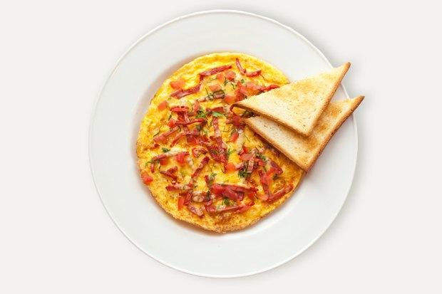Завтраки дома: Омлет счоризо изUDC. Изображение № 1.