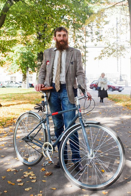 C твидом на город: участники веловояжа в Петербурге о ретро-вещах. Изображение № 61.