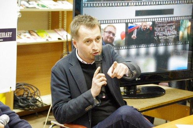 «Хочется какого-то фреша»: Как Виталий Милонов встретился сгорожанами. Изображение № 3.