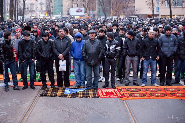 Фоторепортаж: Празднование Курбан-Байрама в Петербурге. Изображение № 3.