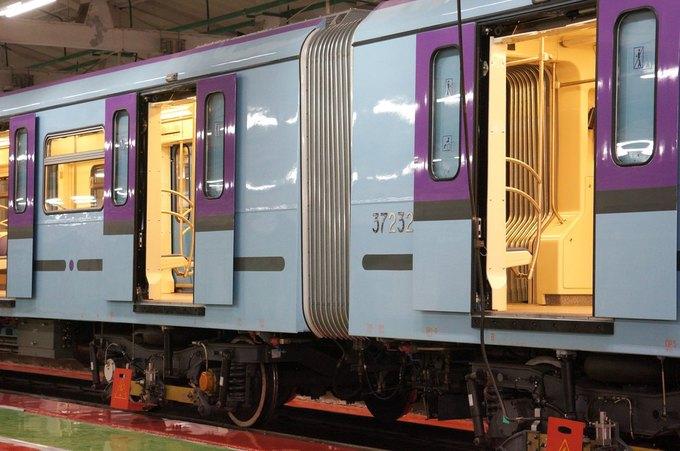 В метро запустили первый поезд сосквозным проходом между вагонами. Изображение № 3.