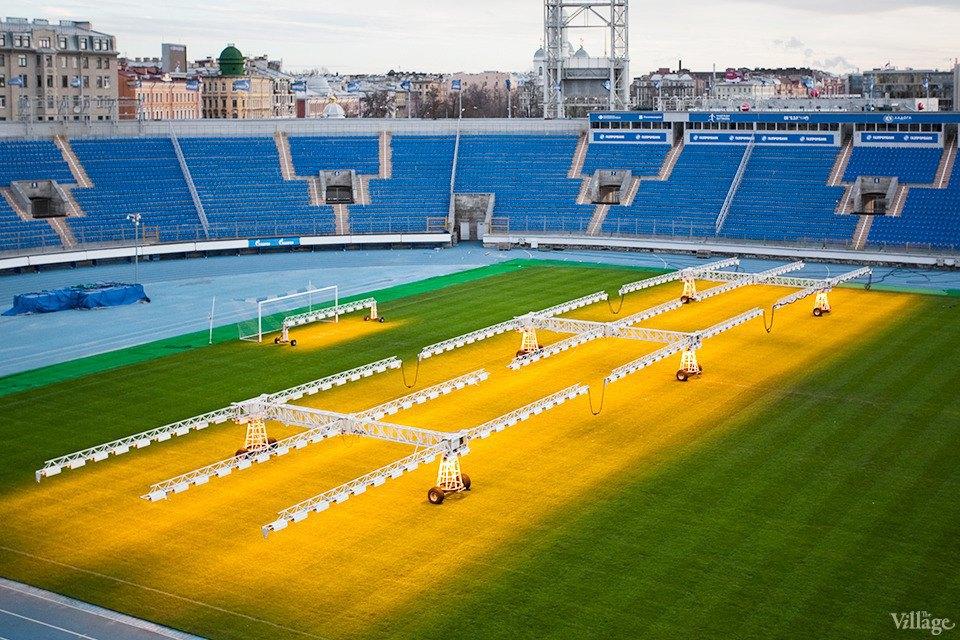По газону не ходить: Работа агронома нафутбольном стадионе . Изображение № 16.