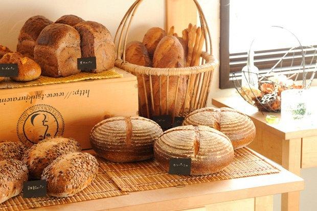 Фильм «Хлеб счастья»: Оставить работу вТокио ради пекарни наозере . Изображение № 9.