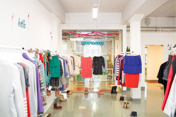 Московский магазин женской одежды Monoroom открылся в «Ткачах». Изображение № 3.
