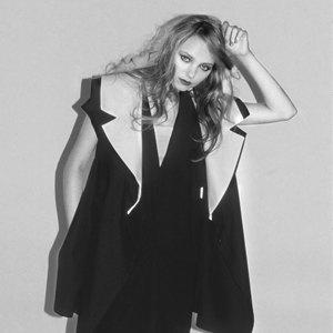 Платье Asos, джинсы Rag&Bone, костюм SuitSupply. Изображение № 7.