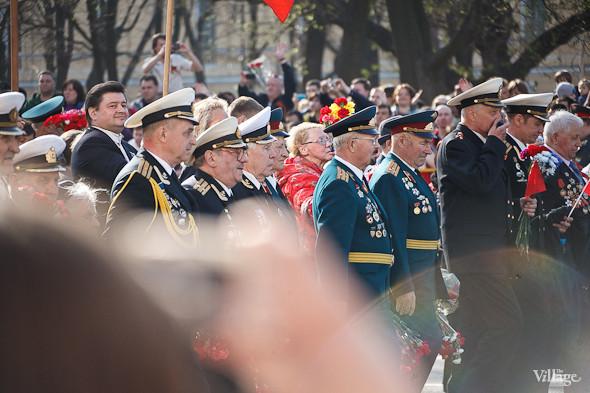День Победы в Москве и Петербурге: Как гуляют и о чём вспоминают ветераны 9 Мая. Изображение № 43.
