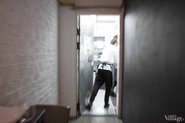 Эксперимент: Сколько проходят официанты за смену. Изображение № 11.