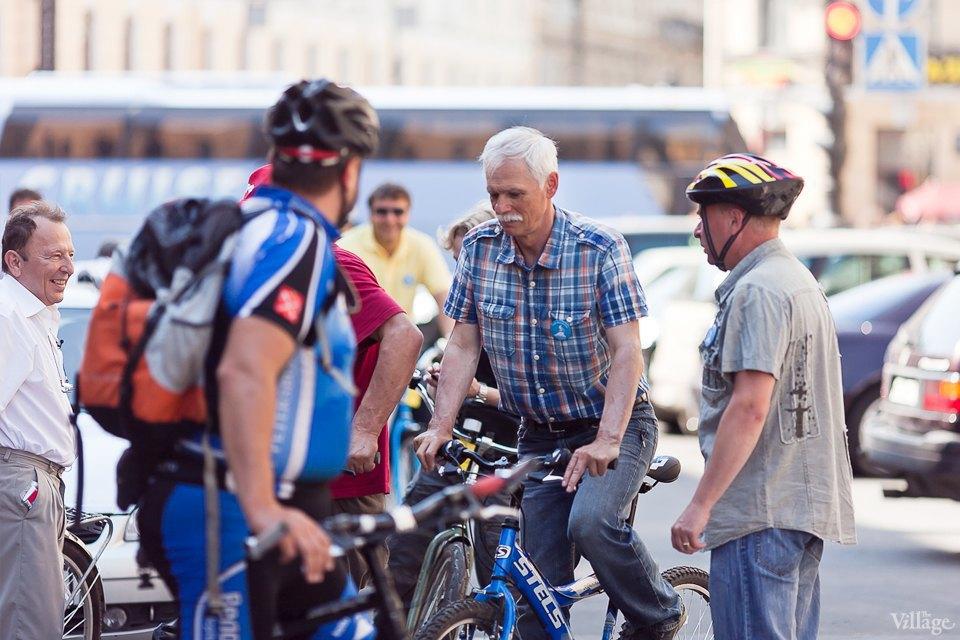 Где наши мигалки: Как петербургские депутаты пересели на велосипеды. Изображение № 9.