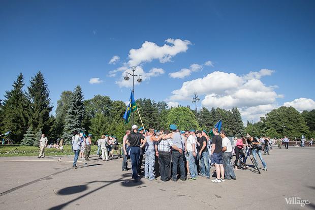 Фоторепортаж: День Воздушно-десантных войск в Петербурге. Изображение № 12.