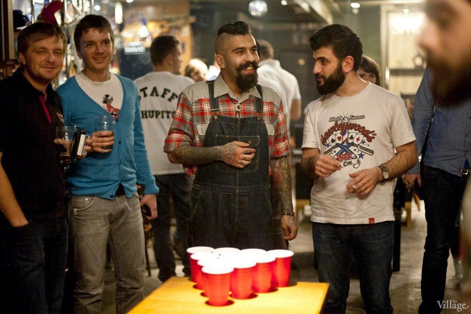Дали по шарам: Кто игде играет вбир-понг вМоскве. Изображение № 1.