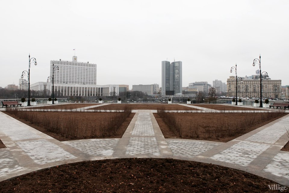Фоторепортаж: Сквер угостиницы «Украина». Изображение № 2.