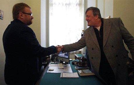 Стивен Фрай снимает в Петербурге документальный фильм о геях. Изображение № 2.