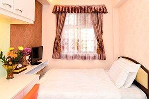 Цена запроса: Насколько дорожают гостиницы иквартиры в Новый год. Изображение № 41.