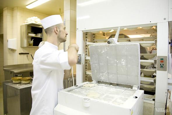 Фоторепортаж с кухни: Как пекут хлеб в «Волконском». Изображение № 8.