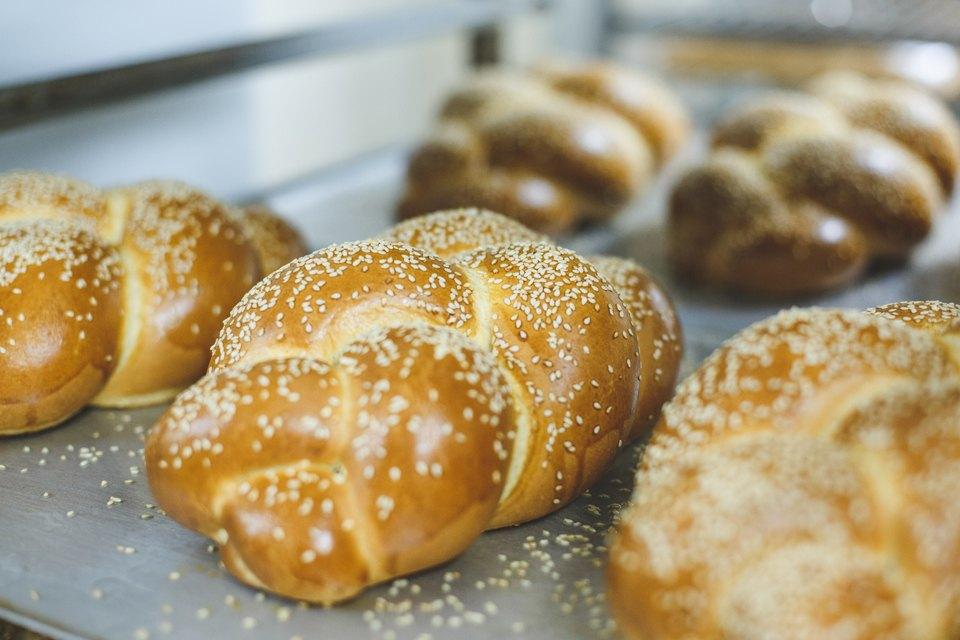 Производственный процесс: Как готовят кошерный хлеб. Изображение № 42.