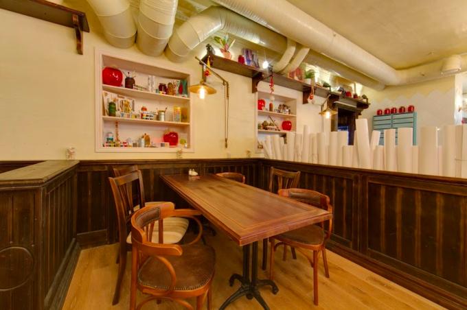 На Арбате открылся ресторан одесской сети «Компот». Изображение № 3.