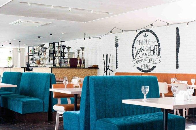 На «Третьяковской» открылось кафе Holly Food by Bryan. Изображение № 2.