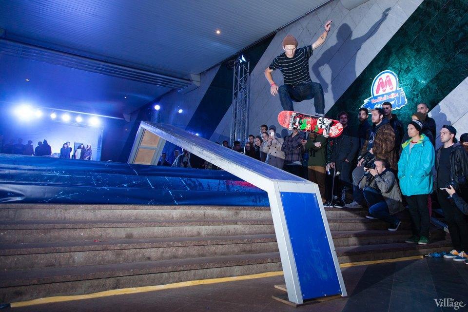 Фото ночи: Скейтерский чемпионат в метро. Изображение № 13.