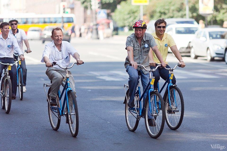 Где наши мигалки: Как петербургские депутаты пересели на велосипеды. Изображение № 5.