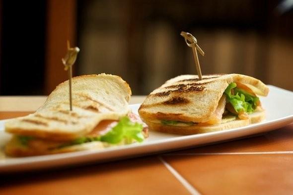 Изображение 1. В «Новинском пассаже» открылась сэндвичная Clumba Sandwich.. Изображение № 2.