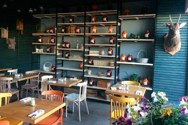 Ресторан и бар Elements, кафе «Федя, дичь!», киоск Q-tab Lab ибар Dobro. Изображение № 2.