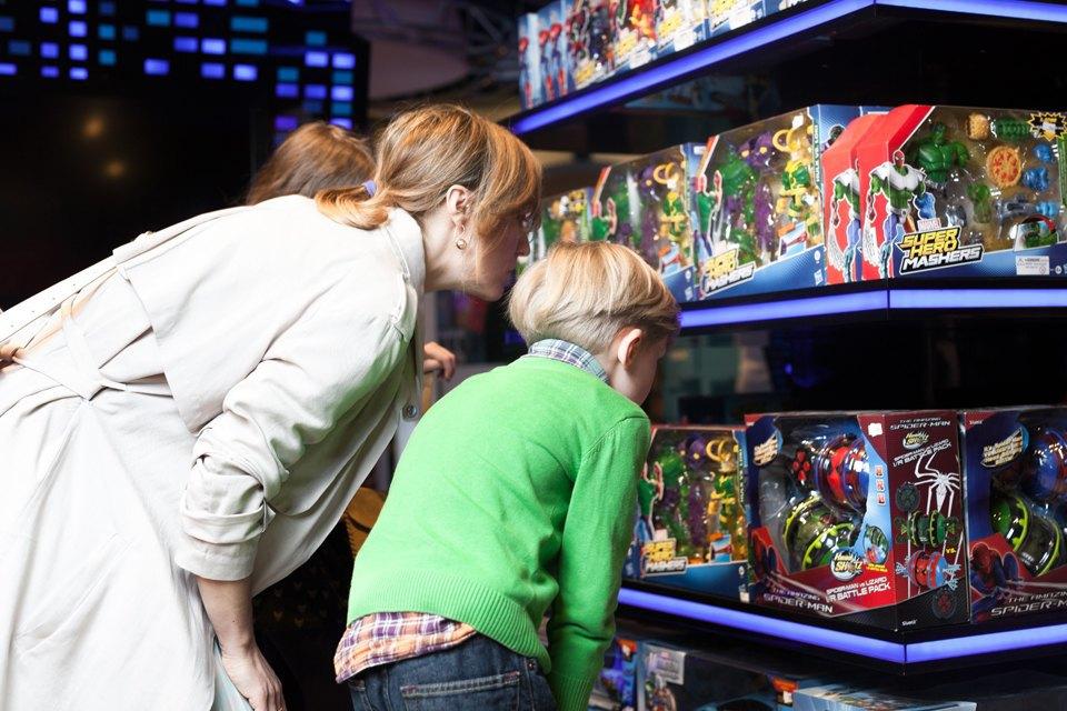 Эксперимент: Что купят на 5000 рублей дети и взрослые в самом большом детском магазине. Изображение № 21.