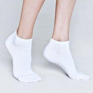 Что надеть: ботинки Fracap, носки Oh, my, кеды Maison Martin Margiela и другое. Изображение № 6.