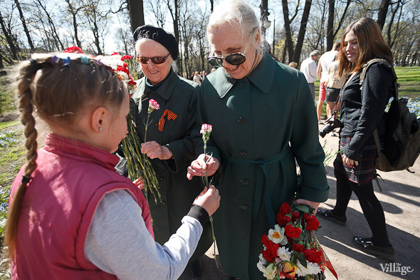 День Победы в Москве и Петербурге: Как гуляют и о чём вспоминают ветераны 9 Мая. Изображение № 73.